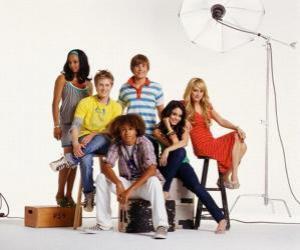 Puzle Čad (Corbin Bleu) Taylor (Monique Coleman), Gabriella Montez (Vanessa Hudgens) Troy Bolton (Zac Efron), Sharpay Evans (Ashley Tisdale) Ryan Evans (Lucas Grabeel)