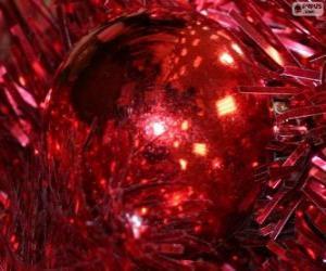 Puzle Červená vánoční koule