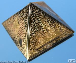 Puzle Čtvercové založené pyramida