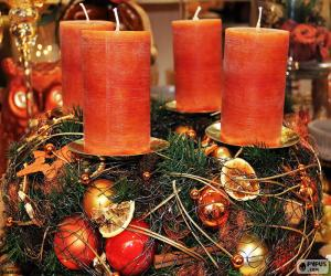 Puzle Čtyři svíčky v centru