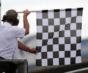 Puzle Šachovnicovým praporkem, je to příznak uveden na konci závodu