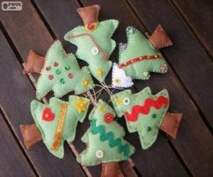 Puzle Šest malých stromů Vánoc
