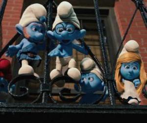 Puzle Šmoulové připraven ke skoku z balkonu