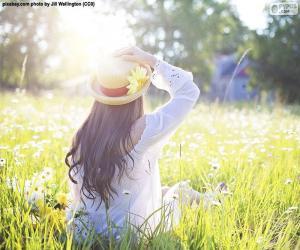 Puzle Žena v poli na jaře