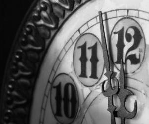 Puzle Часы на грани полночь