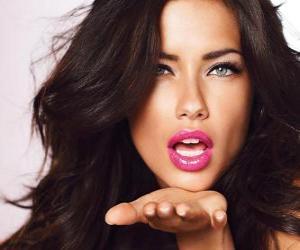 Puzle Adriana Lima je brazilská modelka