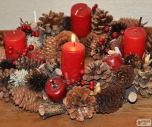 Puzle Adventní věnec je tradiční symbol západní církve sloužící k symbolickému odpočítávání čtyř týdnů adventu