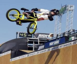 Puzle Akrobatické BMX je forma cyklistiky