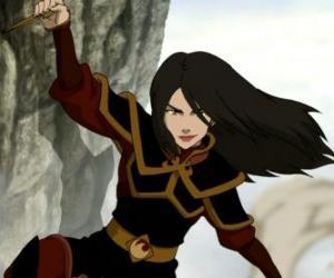 Puzle Azula je princezna protipožární národa a Zuko mladší sestra