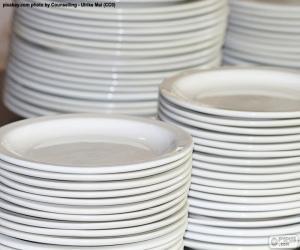 Puzle Bílé porcelánové talíře