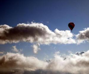 Puzle Balón v oblacích