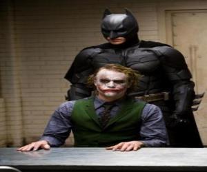 Puzle Batman výslechu svého nepřítele Joker