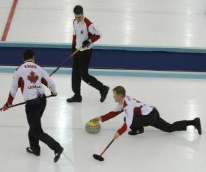 Puzle Curling je sport podobný přesnost mísy nebo bocce anglicky, hrál v kluziště.