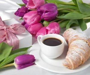 Puzle Dárky a snídani pro maminku
