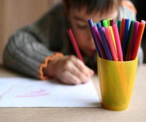 Puzle Dítě nakreslit obrázek