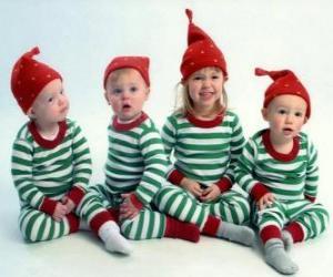 Puzle Děti oblečené se na Vánoce