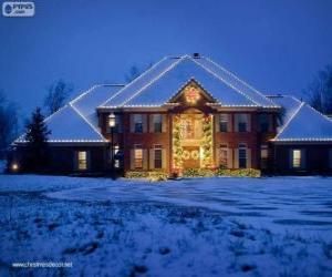 Puzle Dům zdobené vánoční ozdoby