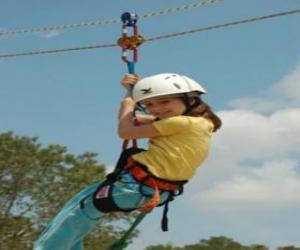 Puzle Dobrodružný dívka skákání s lano a postroj
