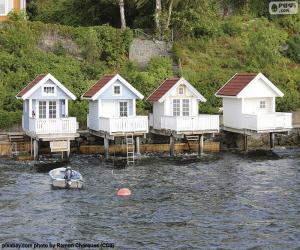 Puzle Domy na jezeře, Norsko