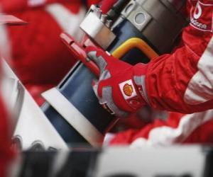 Puzle Doplňování paliva za letu F1
