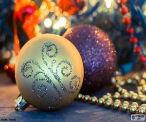 Puzle Dvě elegantní kuličky vánoční