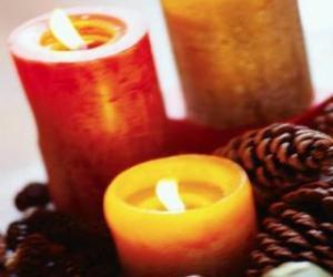 Puzle Dvě velké vánoční svíčky hoří