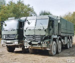 Puzle Dvou vojenských nákladních automobilů