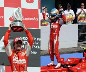 Puzle Fernando Alonso oslavuje své vítězství na Hockenheimu, německé Grand Prix (2010)