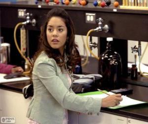Puzle Gabriella Montez v laboratoři