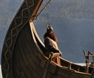 Puzle Halvar, přebírá kormidlo člunu