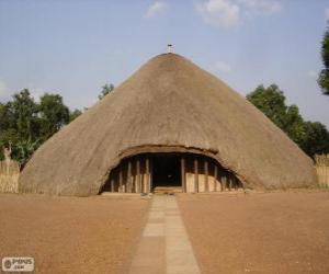 Puzle Hrobky bugandských králů v Kasubi, Kampala, Uganda