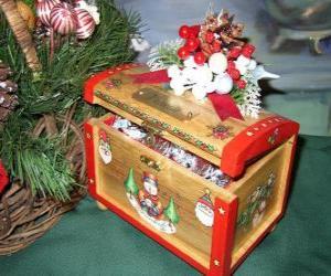 Puzle Hrudník zdobené vánoční motivy