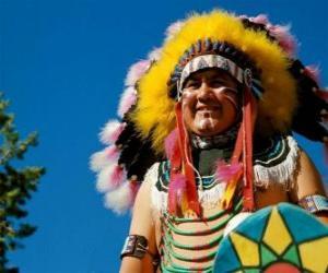 Puzle Indiánského náčelníka tvář s válečnými barvami a peří na hlavě