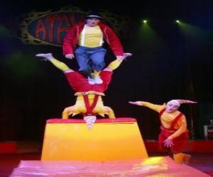 Puzle Klauni akrobaty