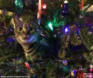 Puzle Kočka a vánoční stromeček