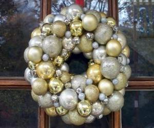 Puzle Koruna Vánoc, s míčky