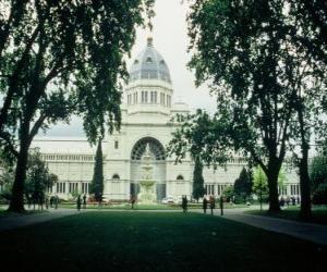 Puzle Královská výstavní budova a zahrady Carlton, navrhl architekt Josef Reed. Austrálie