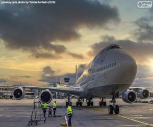 Puzle Letadlo na letišti