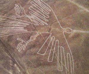 Puzle Letecký pohled na jednu z postav, pták, část Nazca Lines v poušti Nazca, Peru