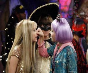 Puzle Lilly lisy nos k Hannah Montana se pozorným očím Oliver.