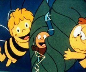 Puzle Maja a Willy pomáhá červa