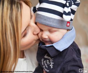 Puzle Matka, líbat její dítě