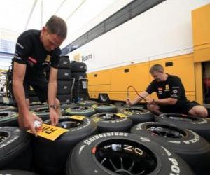Puzle Mechanický F1, Příprava pneumatiky