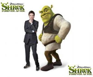 Puzle Mike Myers poskytuje hlas Shrek v poslední film Shrek Forever Po