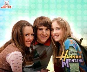 Puzle Miley Stewart a jeho přátelé