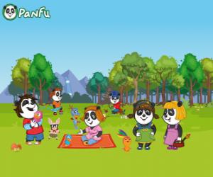 Puzle Několik mladých Panfu pandy v parku