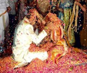 Puzle Nevěsta a ženich na svatbu nebo manželství po hinduistické tradici