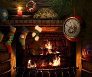 Puzle Oheň zapálil na Štědrý den s ponožkami zavěšení