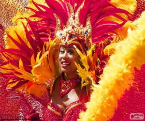 Puzle Oranžové Karneval šaty