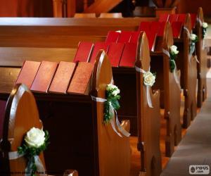Puzle Ozdobený kostelem lavičky